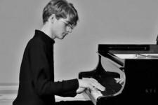 23/05 «Классика без границ» фортепианный концерт Александра Болотина